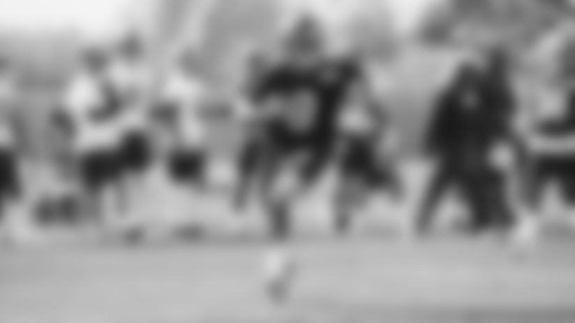 Practice Highlight: Daniel Jones takes off downfield on read-option