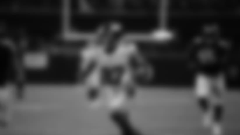 Sterling Shepard loses Robert Alford on 53-yard catch