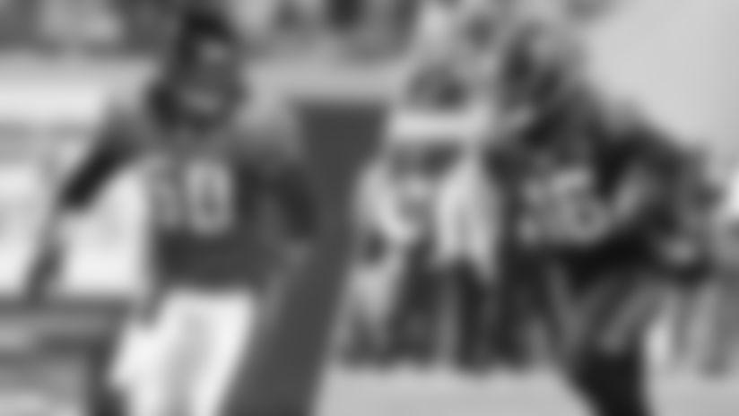 JACKSONVILLE, FL - SEPTEMBER 18: Linebacker Tony Gilbert #50 of the Jacksonville Jaguars runs against the Pittsburgh Steelers at Alltel Stadium on September 18, 2006 in Jacksonville, Florida. The Jaguars defeated the Steelers 9-0. (AP Photo/Scott Boehm)