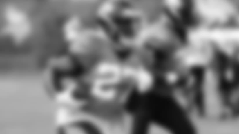 Jacksonville Jaguars running back Leonard Fournette carries during NFL football practice in Eagan, Minn., Wednesday, Aug. 15, 2018. (AP Photo/Andy Clayton-King)