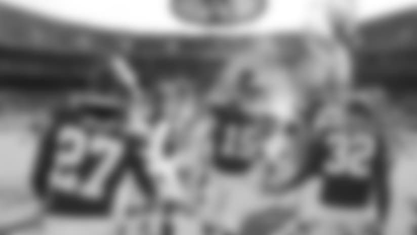 Kansas City Chiefs quarterback Patrick Mahomes (15) runs onto the field before an NFL football game against the Arizona Cardinals Sunday, Nov. 11, 2018, in Kansas City, Mo. The Chiefs won 26-14. (AP Photo/Charlie Riedel)