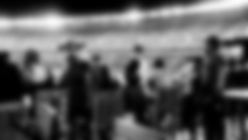 HANGAR---Carousel-Photo
