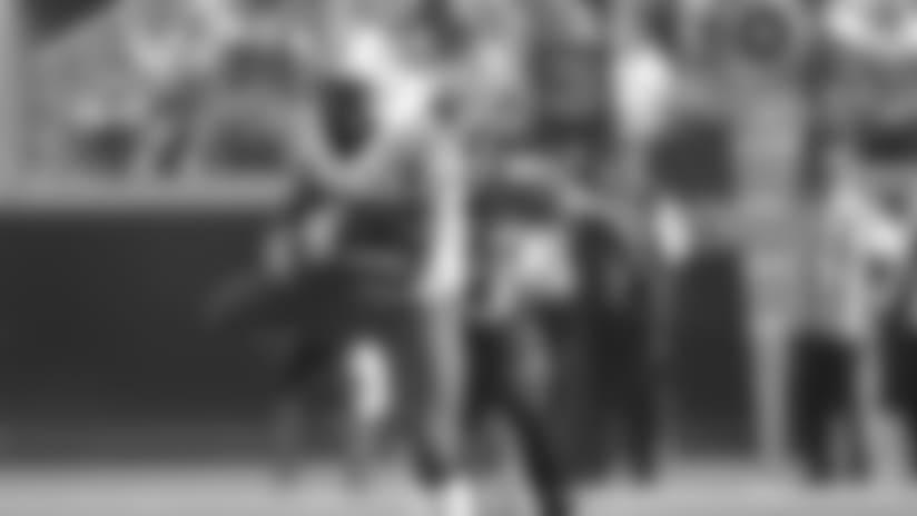 New York Jets inside linebacker Bart Scott, left, intercepts a pass in front of Jacksonville Jaguars fullback Greg B. Jones (33) during the first half of an NFL football game, Sunday, Dec. 9, 2012, in Jacksonville, Fla. (AP Photo/John Raoux)