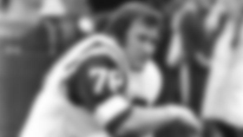 Offensive lineman Garry Puetz, 1973-78.PuetzGsidelineI