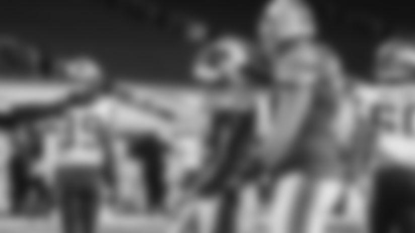 Detroit Lions running back D'Andre Swift extension in traffic nets impressive touchdown against the Minnesota Vikings.