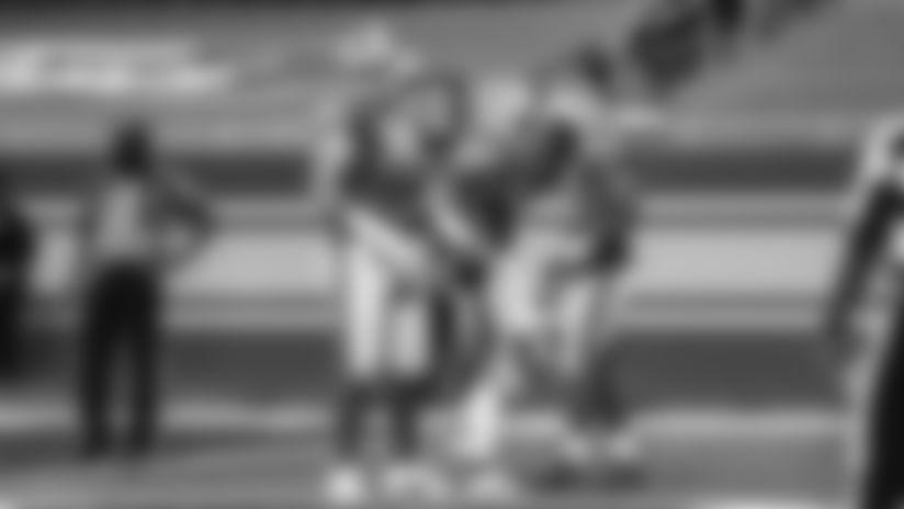 Detroit Lions running back Adrian Peterson hammers in bullish touchdown vs. former team.