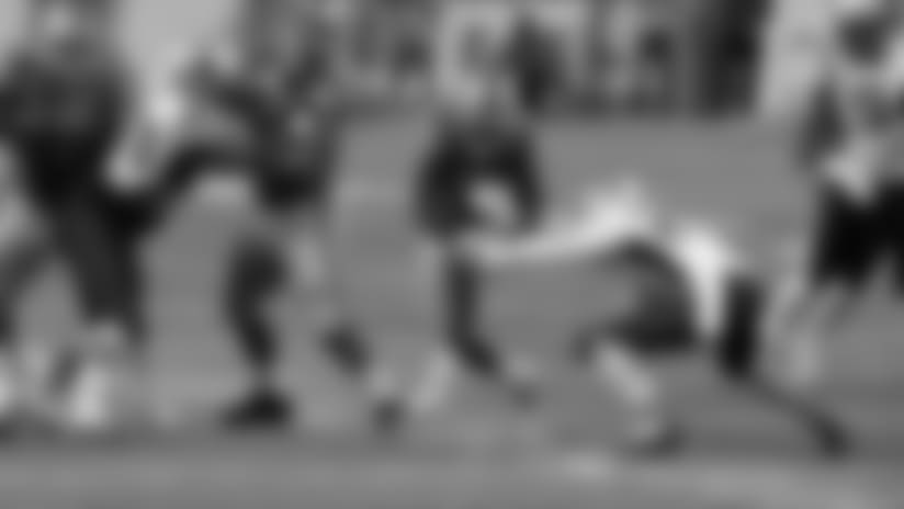 HIGHLIGHT: Johnson uses nifty juke medley for 12-yard gain