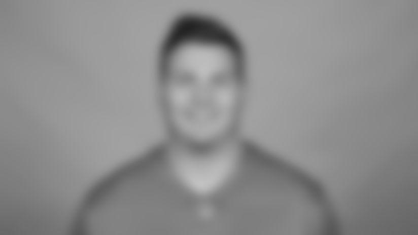 Stenberg_Logan-headshot-2021