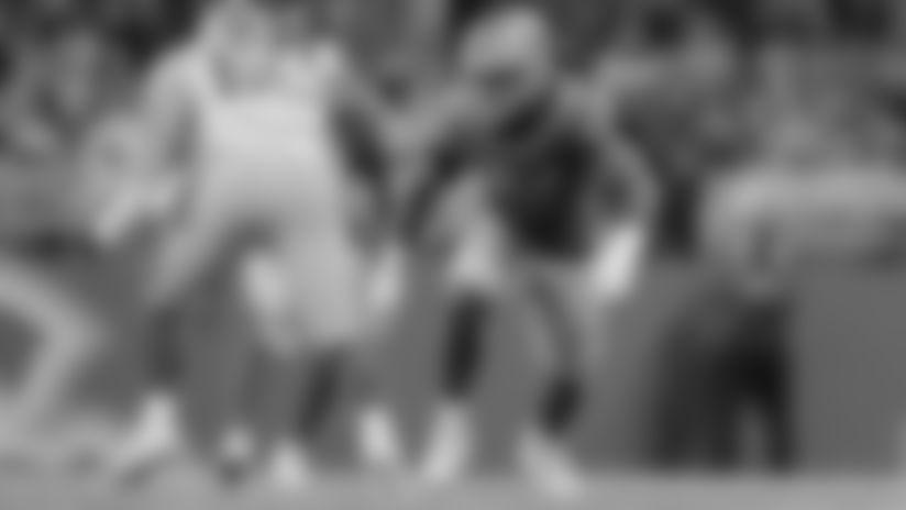 Linebacker Devon Kennard