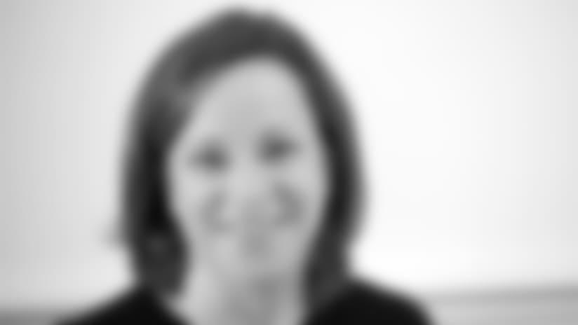 Elizabeth-Ford-Kontulis-pocket-biocard