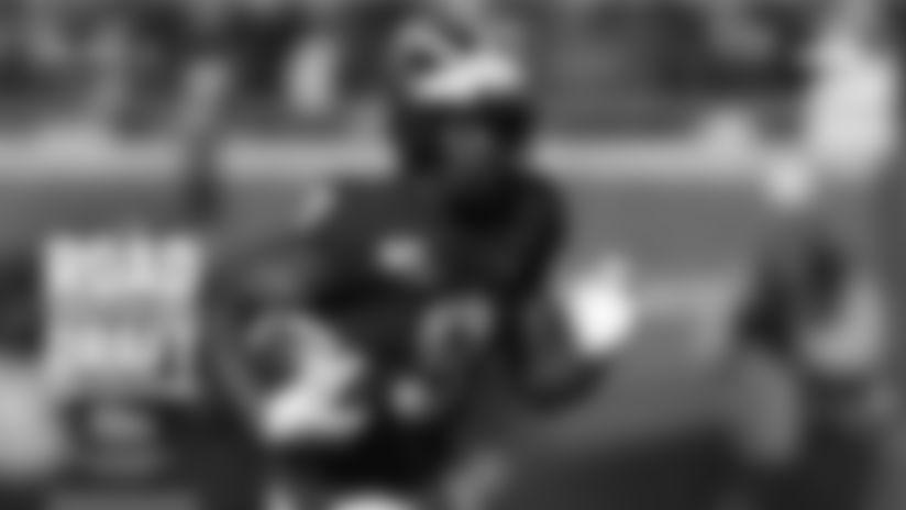 Wide receiver Donovan Peoples-Jones