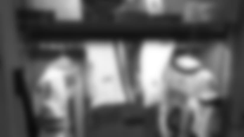 160809-favre-locker.jpg