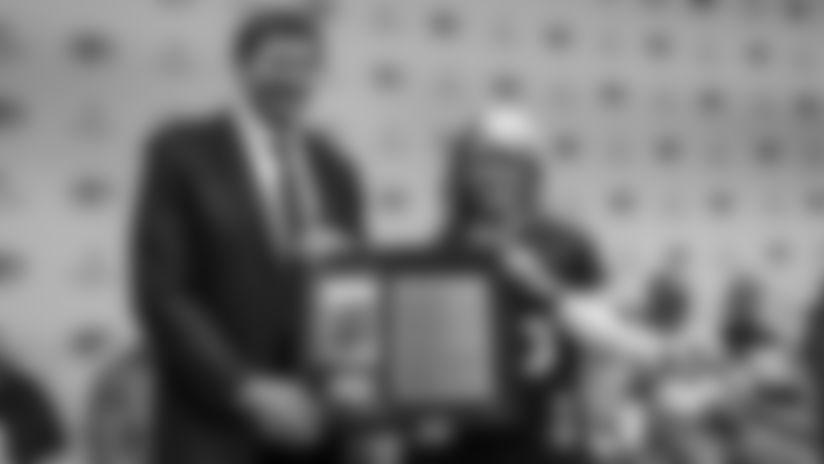 Packers President/CEO Mark Murphy and FAN Hall of Famer Kari Bernier
