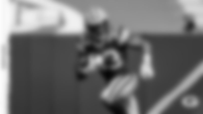 RB Aaron Jones