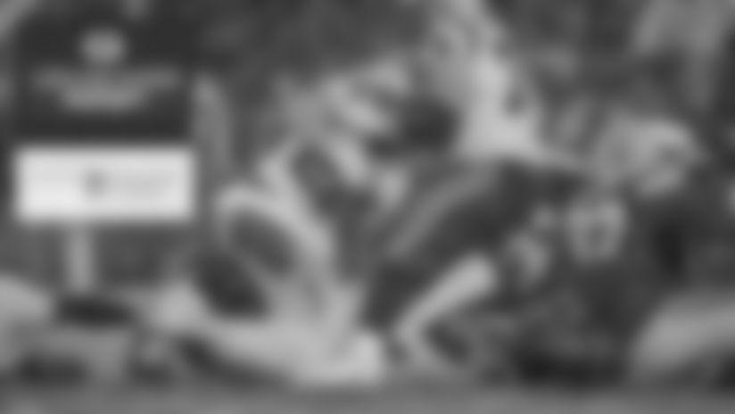 191110-locker-room-report-2560
