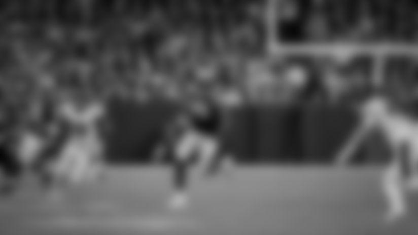 Frame-by-frame: TE Marcedes Lewis hurdles a defender