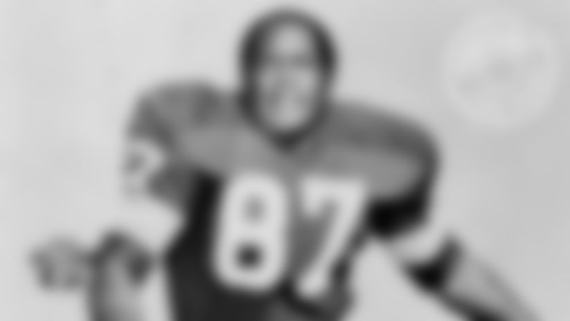 Willie Davis earned reputation as one of league's greatest pass rushers
