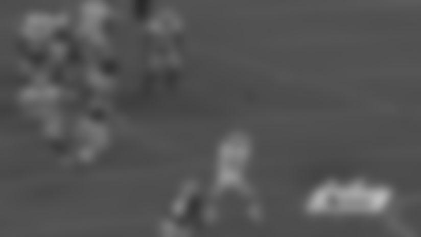 Trevor Davis makes leaping catch