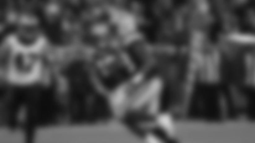 Hat-trick TD! Packers RB Aaron Jones bursts through for score