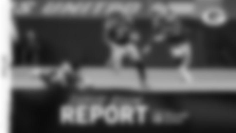 201206-locker-room-report-2560
