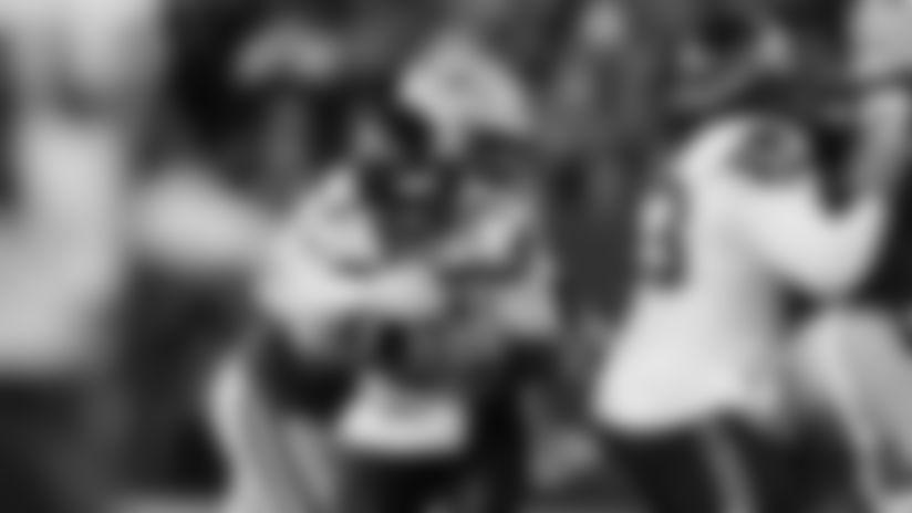 Packers LB Za'Darius Smith brings down Seahawks QB Wilson for sack