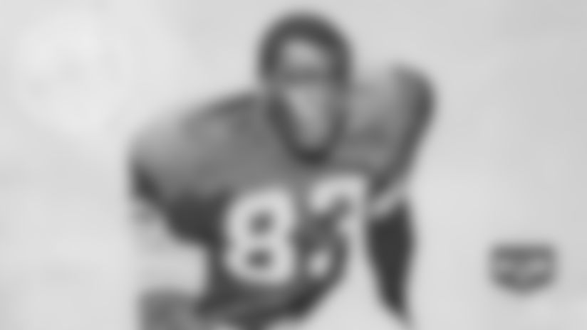 Fred Carr was athletic freak at linebacker