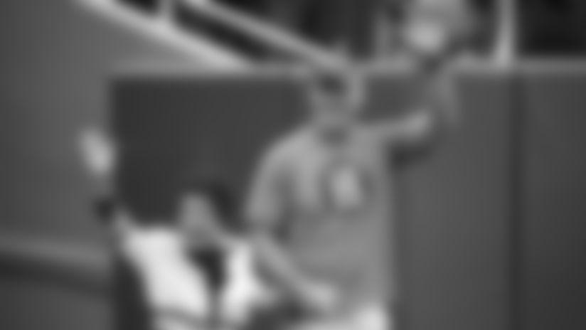 Cherry Starr, Brett Favre make pregame appearance