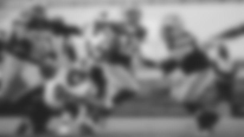 Derrick Brown trips up Aaron Rodgers