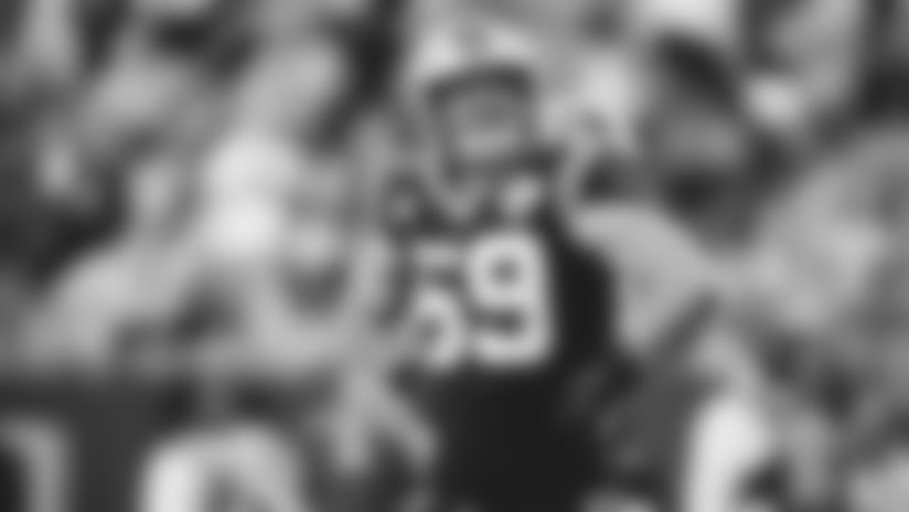 Washington linebacker ejected for shot on Greg Olsen
