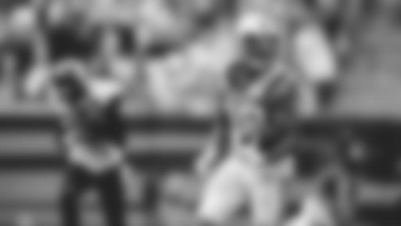 HIGHLIGHT: Reggie Bonnafon explodes for 59-yard touchdown run