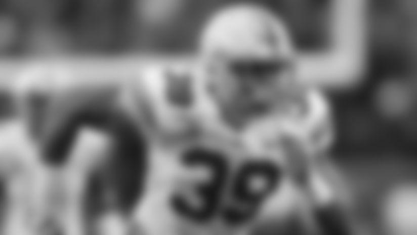 Ohio State linebacker Malik Harrison(39).