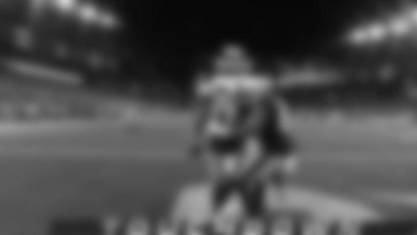 Tom Brady lofts 25-yard TD pass down seam to Phillip Dorsett