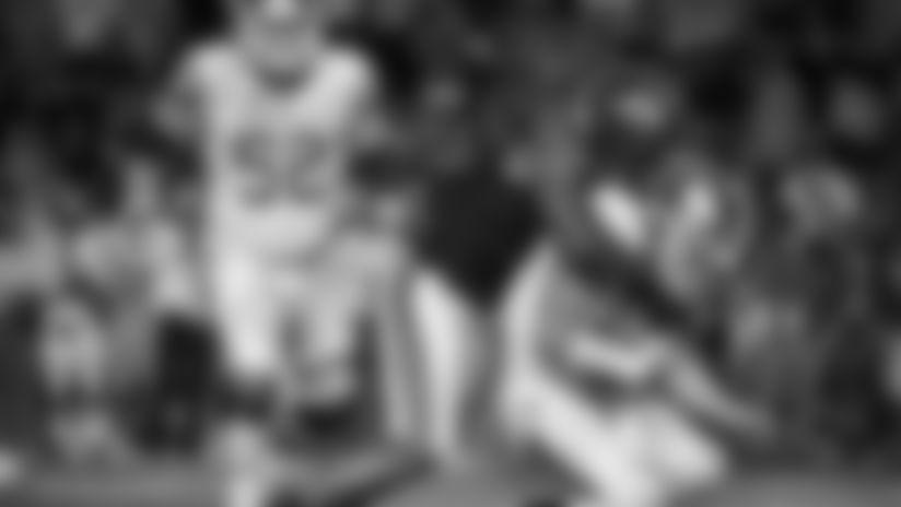 South Carolina linebacker D.J. Wonnum (8) sacks Kentucky quarterback Sawyer Smith (12) during the second half of an NCAA college football game Saturday, Sept. 28, 2019, in Columbia, S.C. South Carolina defeated Kentucky 24-7. (AP Photo/Sean Rayford)