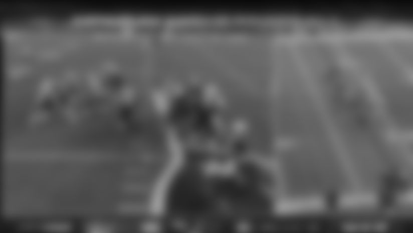 J.J. Taylor is a blur on 28-yard dash up the middle
