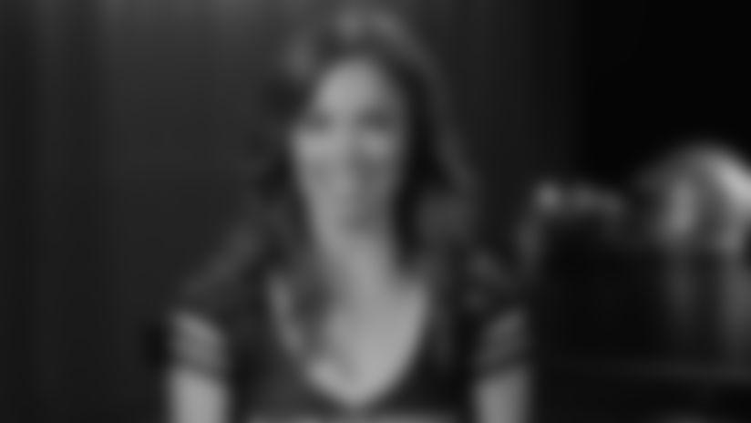 Raiderette Bio: Jen