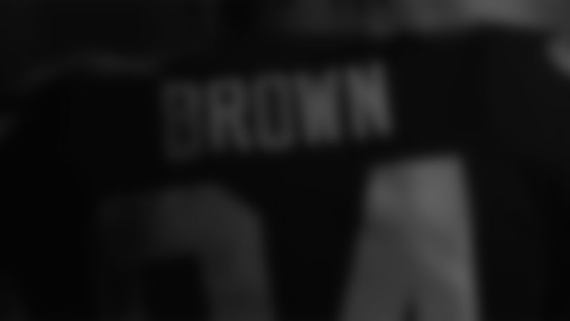 See Antonio Brown in his full uniform for the first time