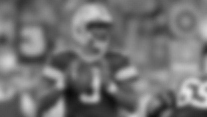 Raiders claim quarterback DeShone Kizer