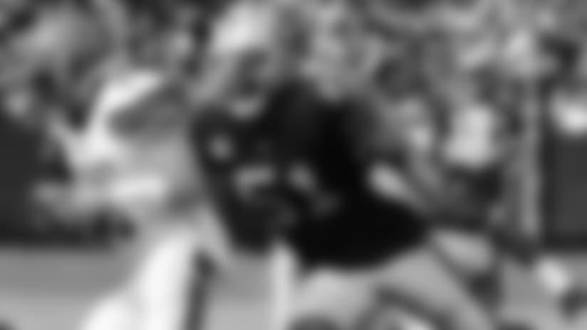 Raiders waive DE Bruce Irvin