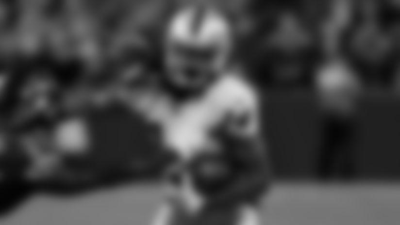 Hatcher converts on third down with 17-yard catch