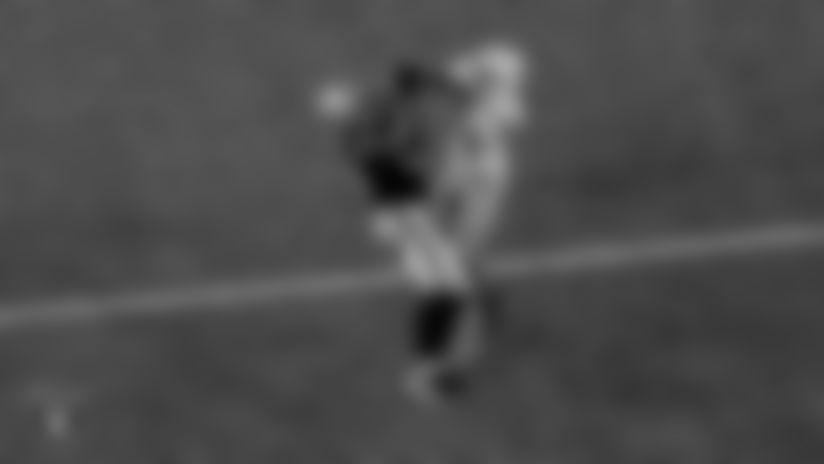 Las Vegas Raiders tight end Darren Waller (83) during the regular season game against the Miami Dolphins at Allegiant Stadium.