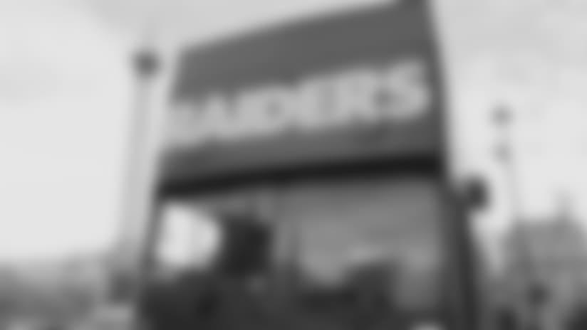London bus tour with Raiders Alumni, Raiderettes