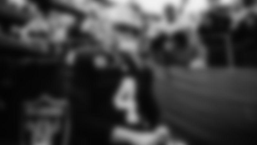 Derek Carr leads quarterback group into 2019