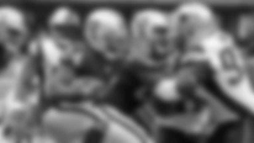 Quick Snap: Raiders Fall To New England Patriots At Estadio Azteca
