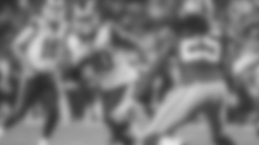 Todd Gurley runs for 5-yard touchdown