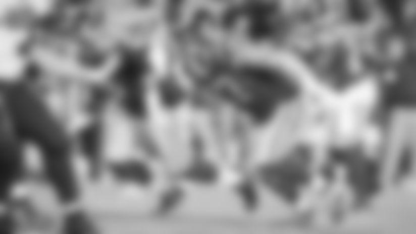 Rams re-sign Morgan Fox, release Tanzel Smart