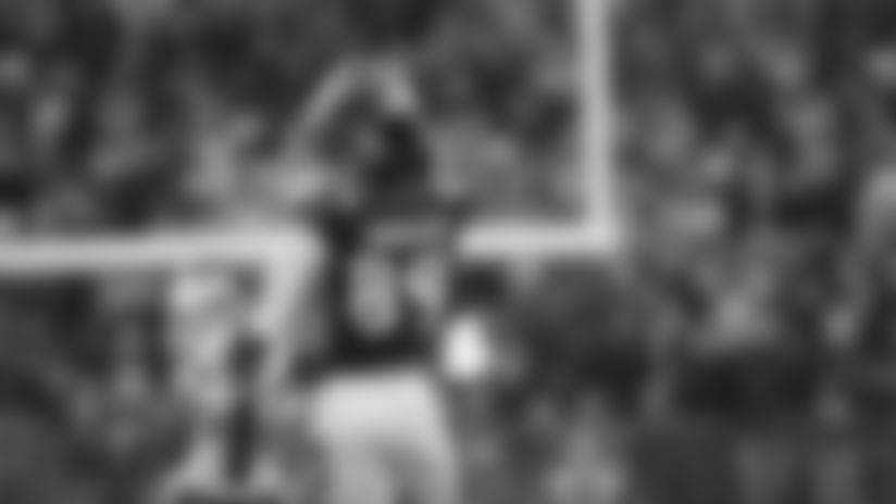 Highlight: Mark Andrews Elevates for Big Boy Catch