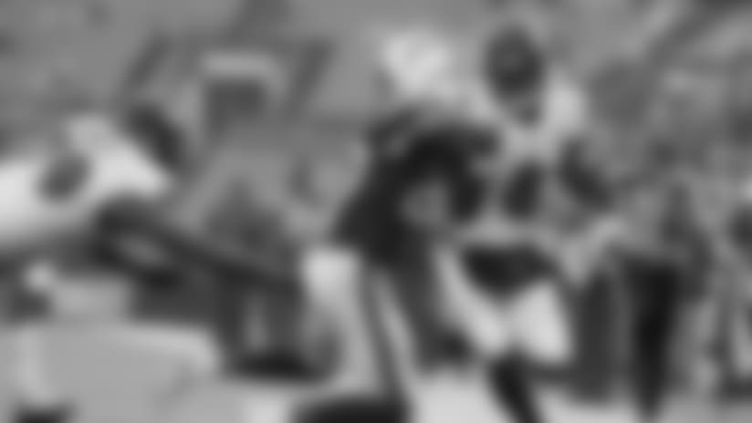 Highlight: Lamar Jackson Stiff Arms Safety, Nearly Scores TD
