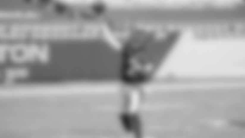 Quarterback Dwayne Haskins delivers a pass during the Washington Football Team's 27-17 win over the Philadelphia Eagles on Sept. 13, 2020. (Alexander Jonesi/NFL)