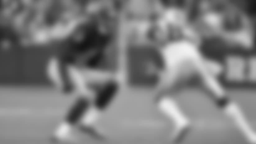 La rivalidad entre los Redskins de Washington y los Cowboys de Dallas no necesita introducción. Dos enemigos hasta la muerte que siempre quieren ganar cuando se enfrentan. Sentimiento que comparten gran parte de los aficionados en ambos lados antes y después de cada partido. El juego de la semana 9 no sería la excepción. El destino le presentaba una oportunidad única a los dos equipos. Ganar y relegar al enemigo en la división.