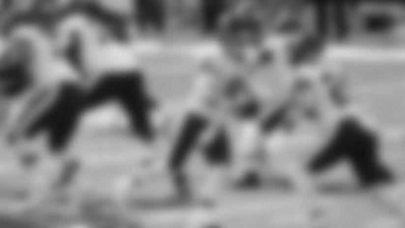 Kyle Allen hands off the ball to Antonio Gibson against the New York Giants. (Josh Lobel/New York Giants LCC)